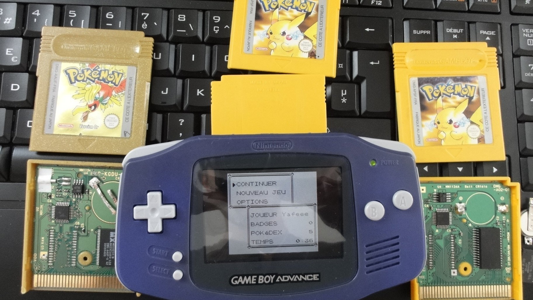 Gameboy color and pokemon yellow - Dsc01857 Jpg