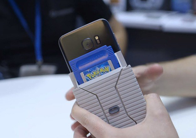 Turn Your Smartphone Into A Game Boy With The Hyperkin Smart Boy - Hyperkin smartphone gameboy