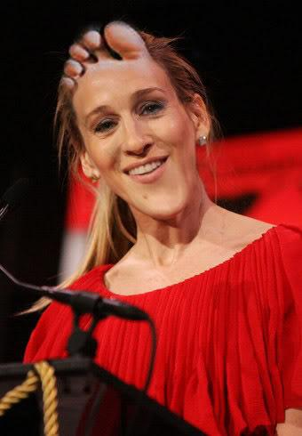 sarah-jessica-parker-face-foot-13046158118.jpeg