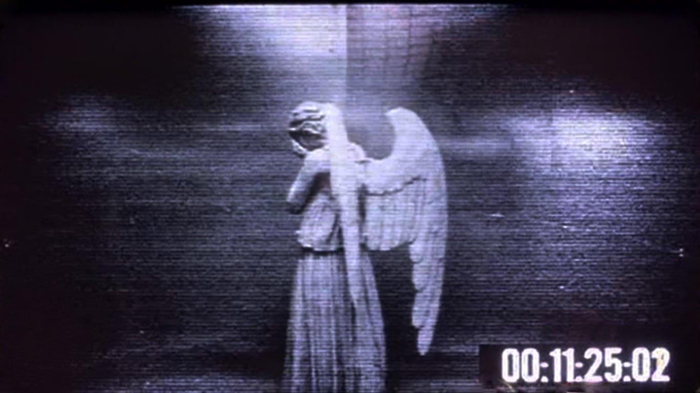 weeping-angel-desktop-wallpaper-windows-mac-prank.jpg